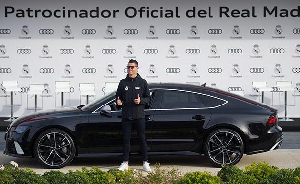 شاهد: لاعبي فريق ريال مدريد يتسلموا سياراتهم الجديدة من أودي
